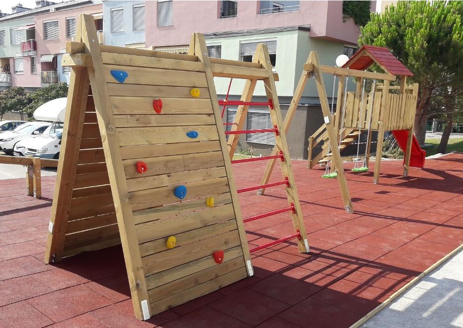 lesena plezala in gugalnice